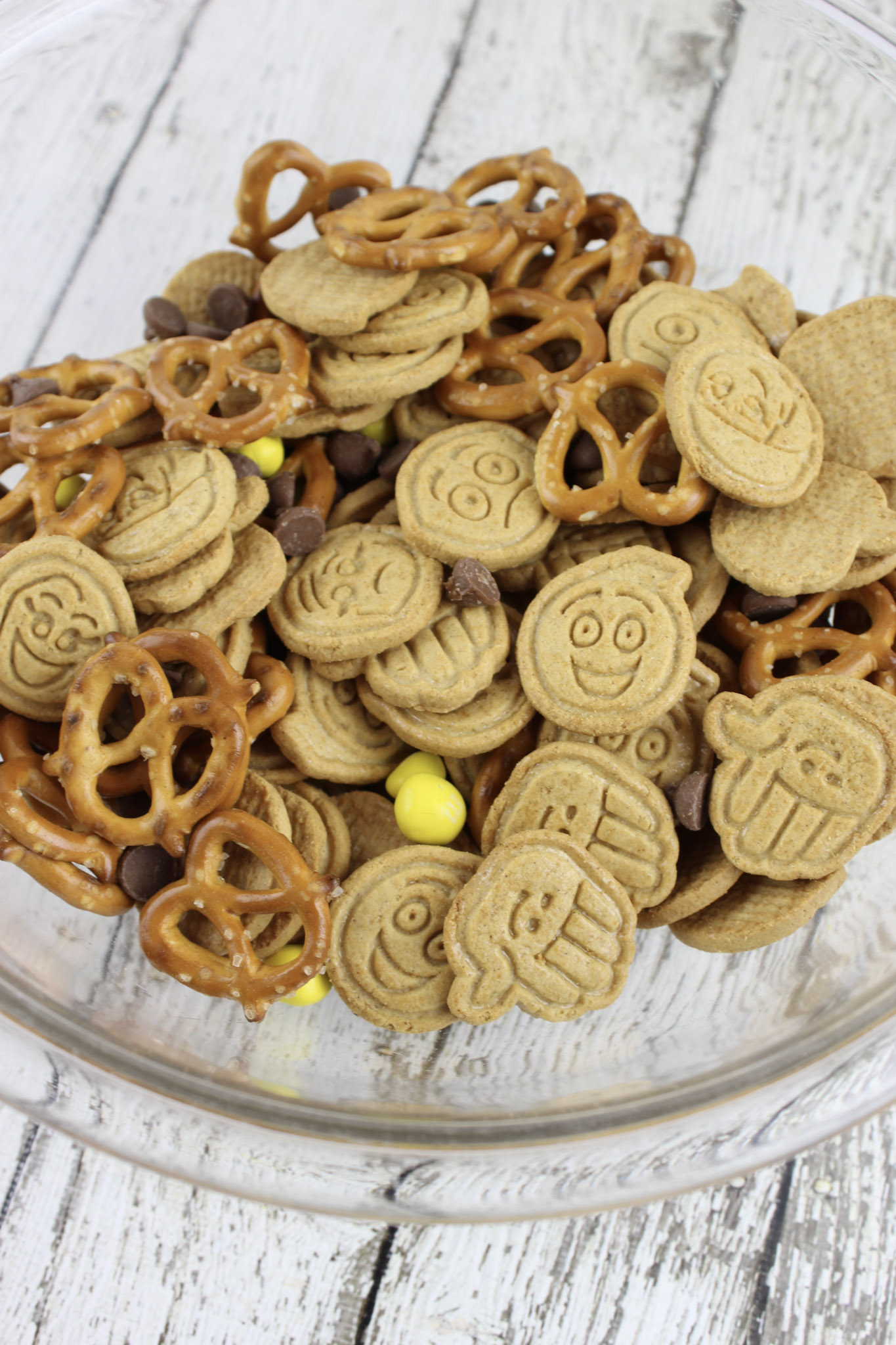 Emoji Movie Snack Mix