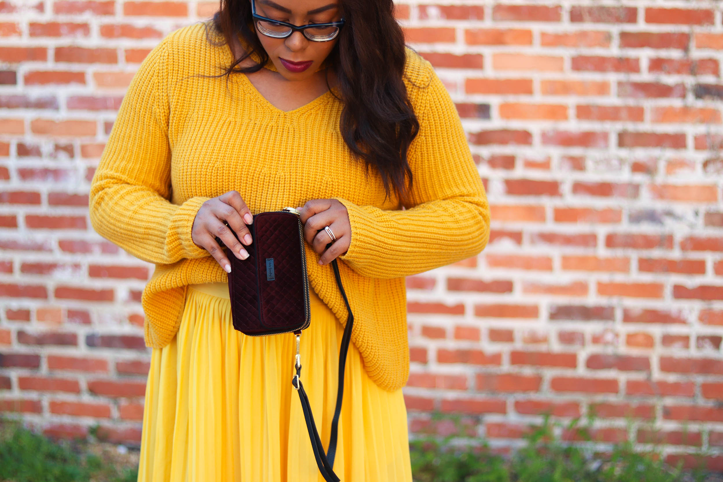 The Super Easy Way to Wear Monochrome Mustard | Bianca Dottin