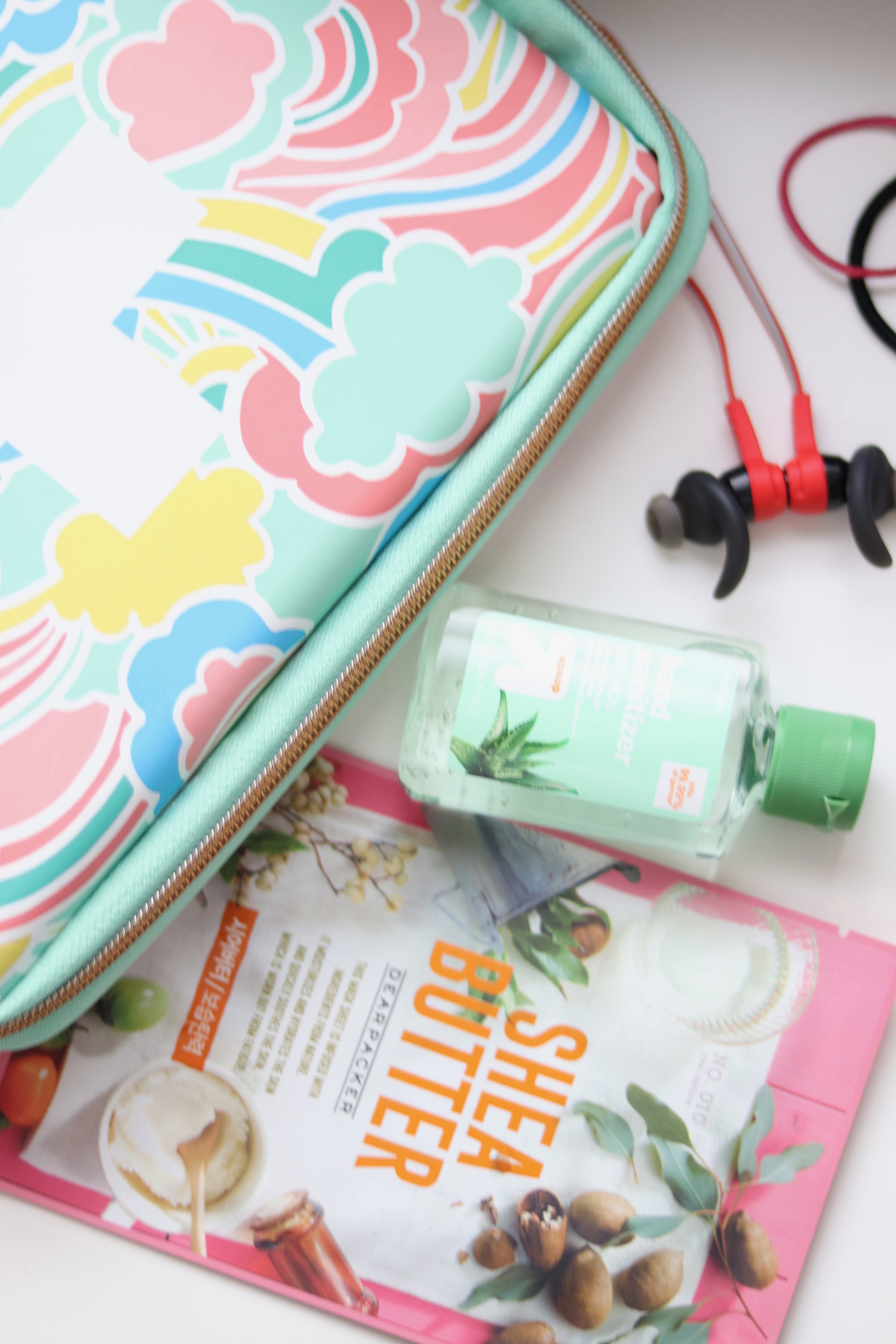 What's in My Bag: Summer Travel Essentials - Bianca Dottin