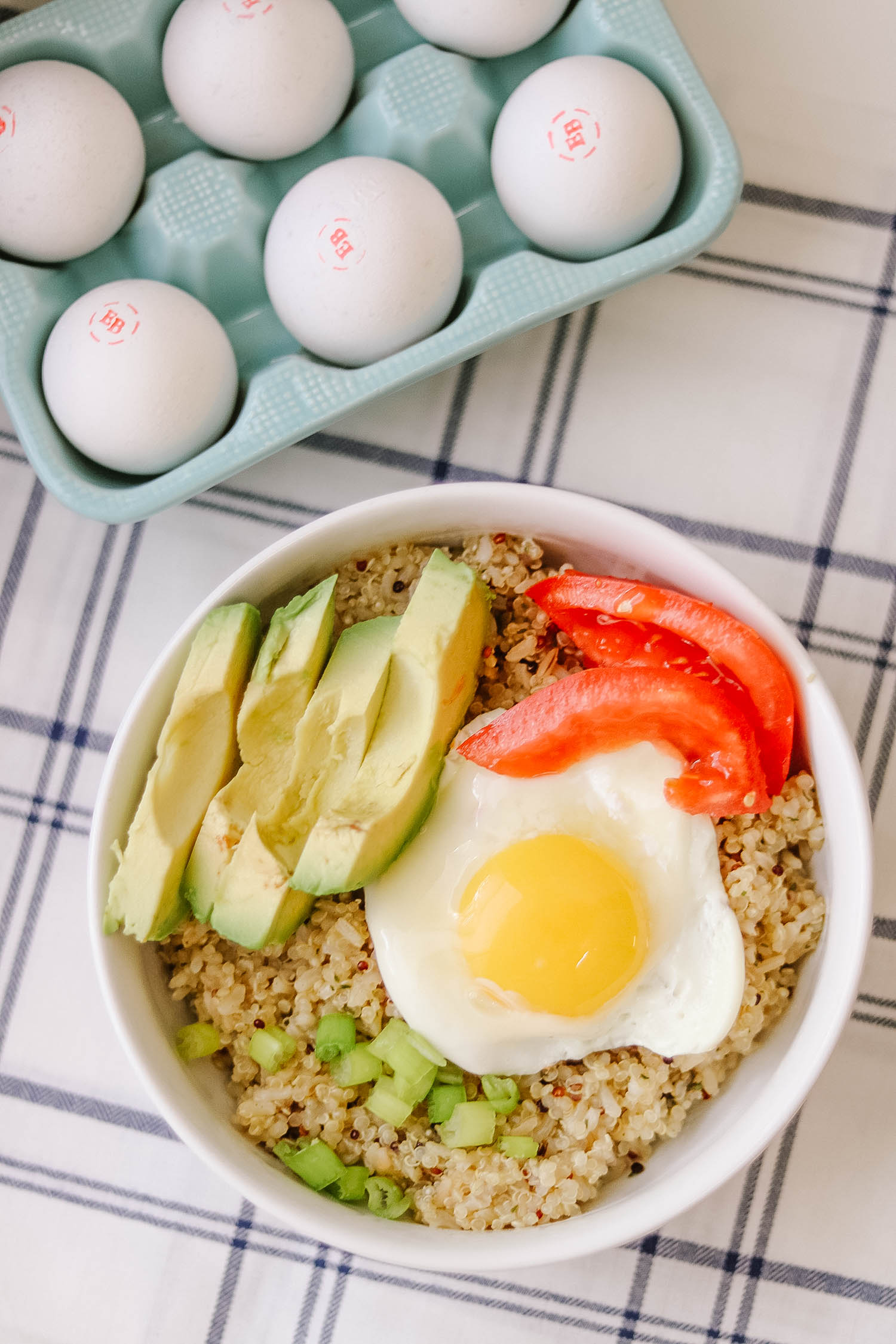 Southwest Quinoa and Egg Breakfast Bowl - Bianca Dottin - Orlando Blogger