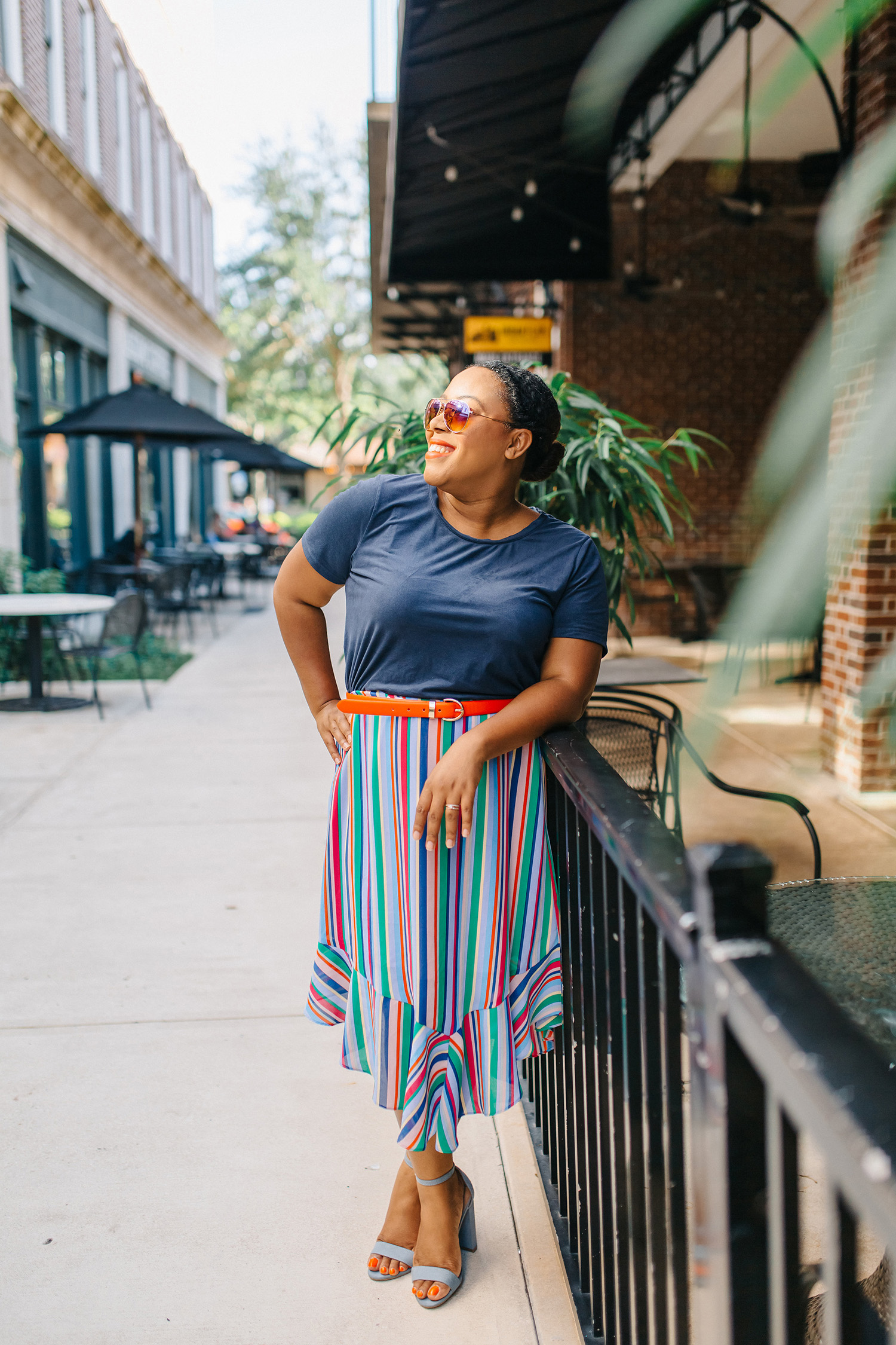 orlando fashion blogger styles a colorful skirt