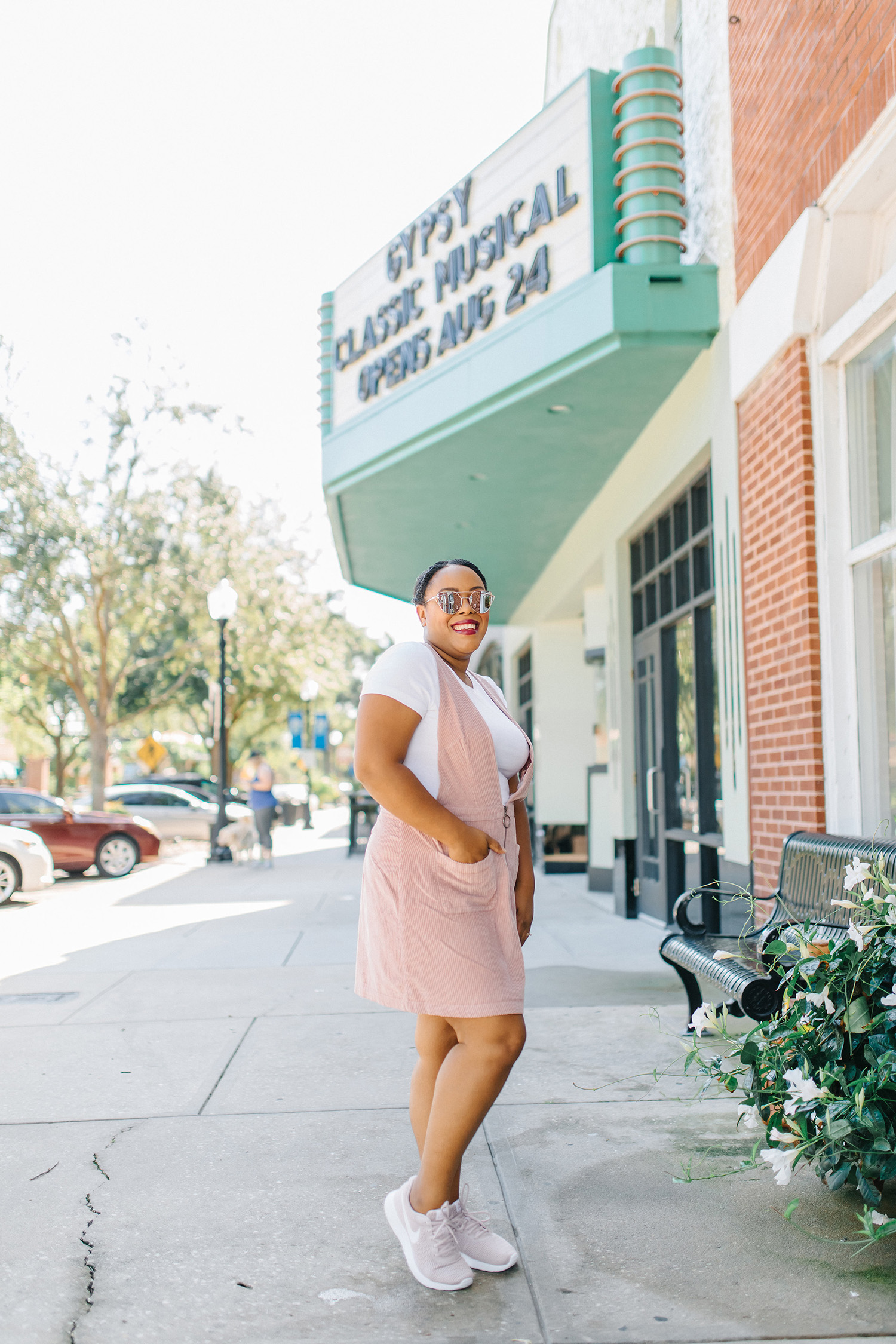 Orlando blogger styles blush outfits