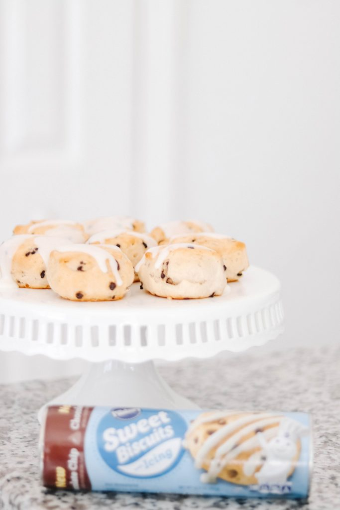 chocolate chip pillsbury sweet biscuits