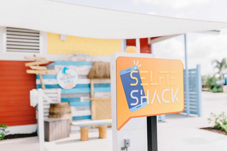 selfie shack