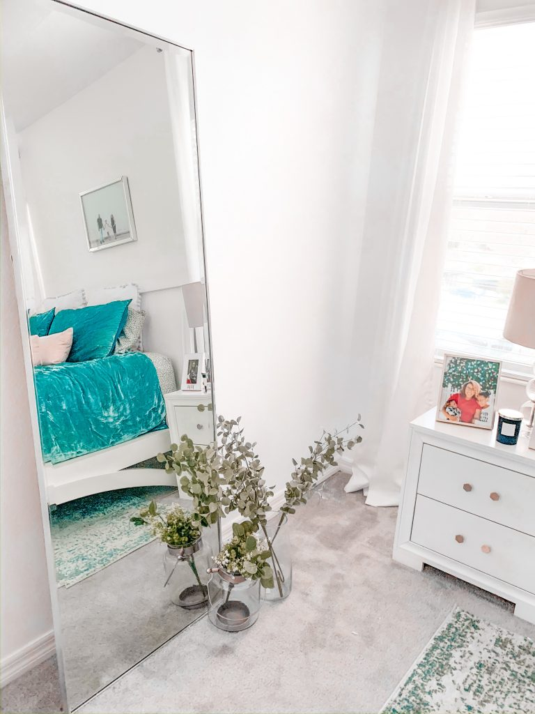 master bedroom accents